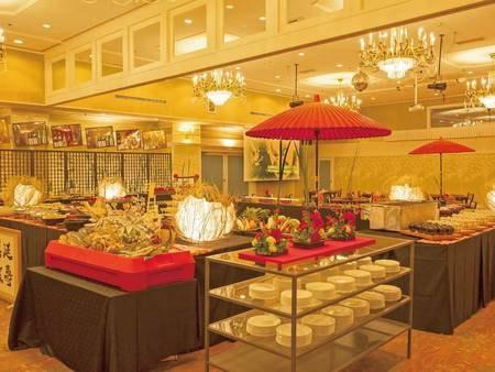 【お食事会場/ヤーヤー堂】当館を代表するお食事会場でございます。こちらでは青森自慢の地産地消和食膳の他「津軽料理遺産」認定郷土料理の数々をハーフバイキング式にお召し上がりいただけます。