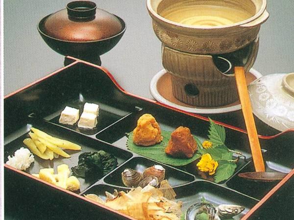 【朝食/例(みそ汁)】自分で造る、お好みみそ汁の味は格別!前の日から朝食が楽しみに………「♪♪♪」