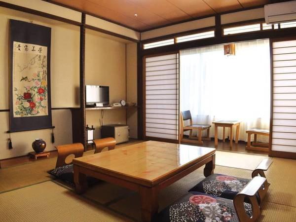 【和室/例】昔ながらの風情ある8畳和室へご案内