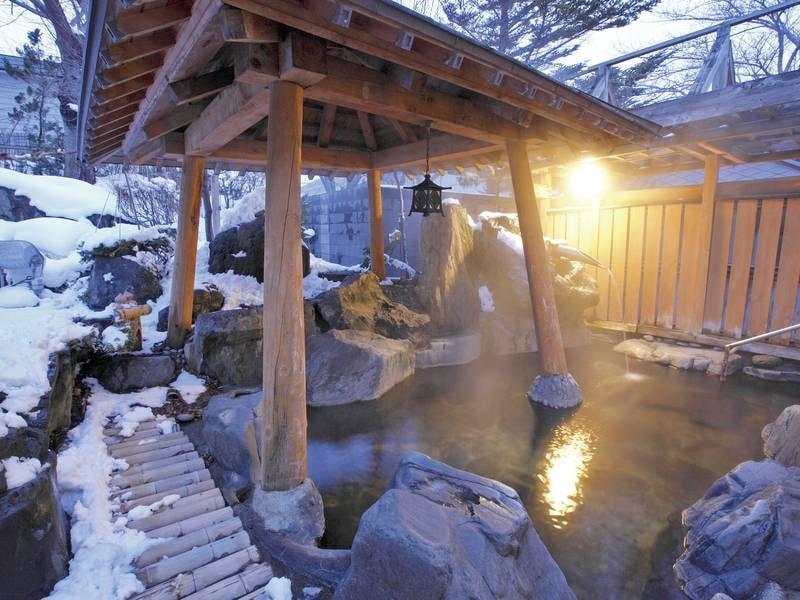 【露天風呂(冬)】雪見の露天で、ほっこりなひと時を、、、