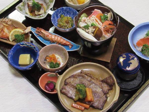 【牛ステーキと海鮮鍋の贅沢プラン/例】旅の出来事を語らいながら美味しい料理とお酒に舌鼓