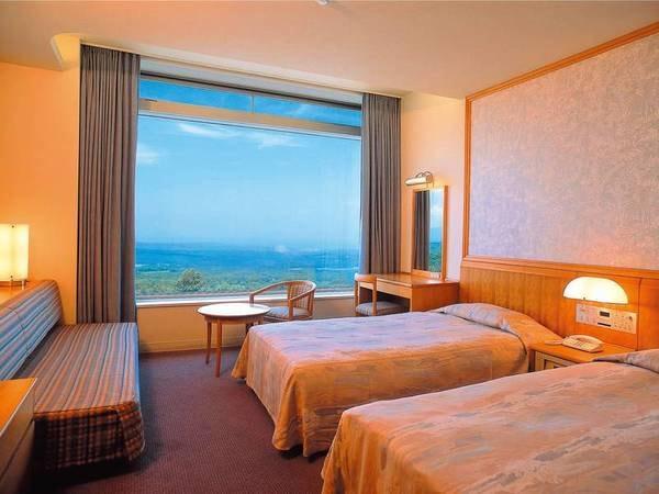 【客室/例】窓から岩木山や日本海を望むツインルームへご案内※眺望指定不可