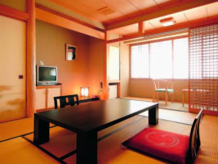 【客室/例】10畳+広縁付の広々和室でくつろぐひと時