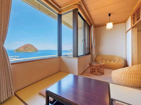 【客室/一例】海側 和室+4.5畳堀こたつ。大パノラマの景色が広がります