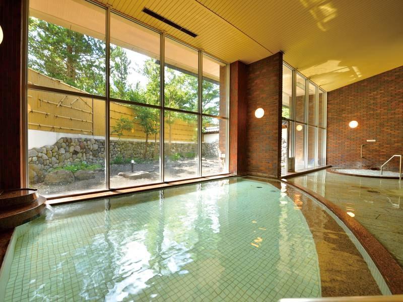 【大浴場】その優しい泉質は八甲田山の恵みです