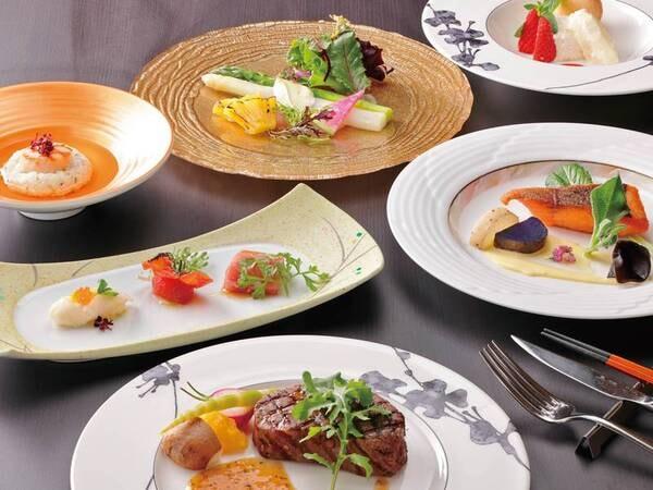 【お肉とお魚のダブルメインコース/例】一つ一つの食材は決して高級ではありませんが、十和田・奥入瀬の自然を感じ、堪能していただくために工夫を凝らした渾身のコース料理です。お箸でいただけるのもうれしい