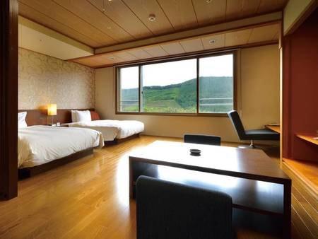 [客室/例] 和の趣を残したモダンな空間。上質なしつらえのお部屋で、快適にお寛ぎいただけます。心地よい空間があなたを迎えてくれます。 37㎡の広々とした洋室※2名様まで