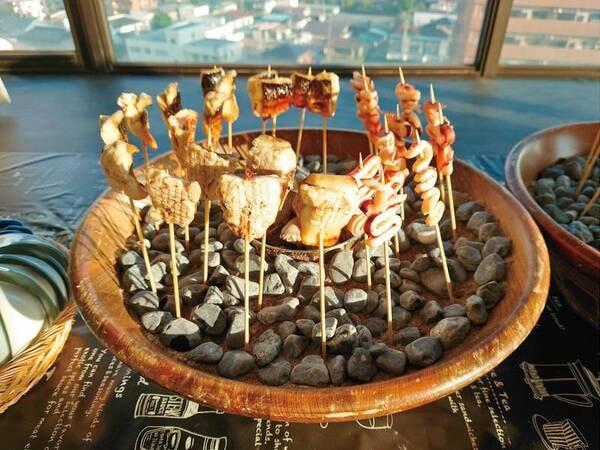 【朝食/和洋定食/一例】季節ごとの食材や献立で青森の四季を感じられる充実のメニュー。年齢を問わずご満足いただけます。
