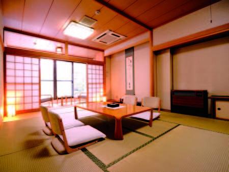 【12畳和室/例】 小さな庭園付、懐かしさ感じるお部屋が一日の疲れを静かに癒します