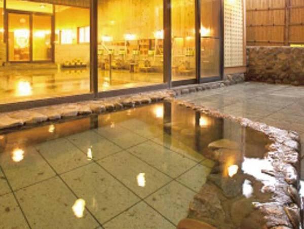 【露天風呂】露天風呂で湯ったり、のんびりと湯浴みを愉しむひととき、、、