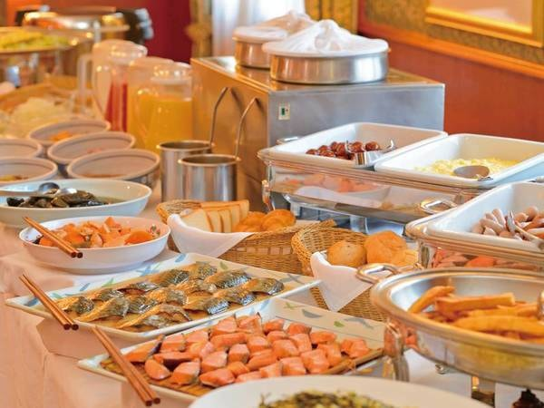 【朝食/例】種類の豊富さとこだわりの味が評判で人気。ご当地の味覚を朝からご堪能