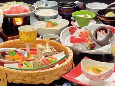 【オリジナル和食コース/例】お造り、鰺ヶ沢熟成地豚すき煮、郷土のじゃっぱ汁鍋仕立てなど地元の美味を堪能!