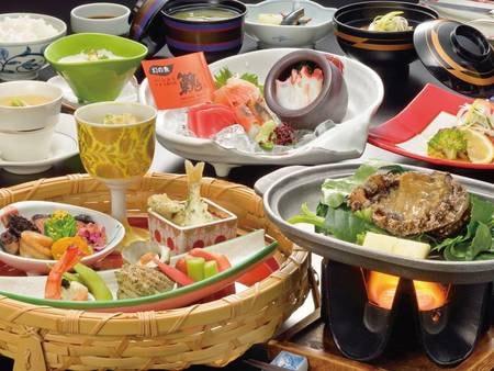 【満喫プラン/例】活あわびの陶板焼きなど地元の食材をふんだんに使用した彩り豊かな和会席コース料理