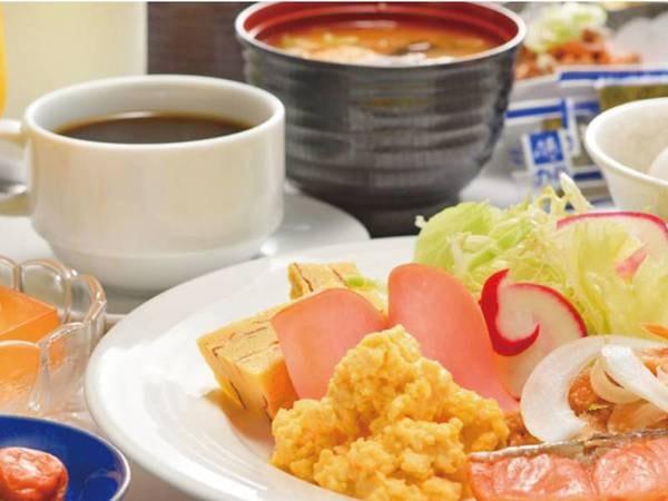 【和洋バイキング/一例】地産地消にこだわった、ヘルシーな手作り朝食バイキング。和洋40品目の品数は三沢1。しっかりと朝食を取り、元気にお過ごし下さい。