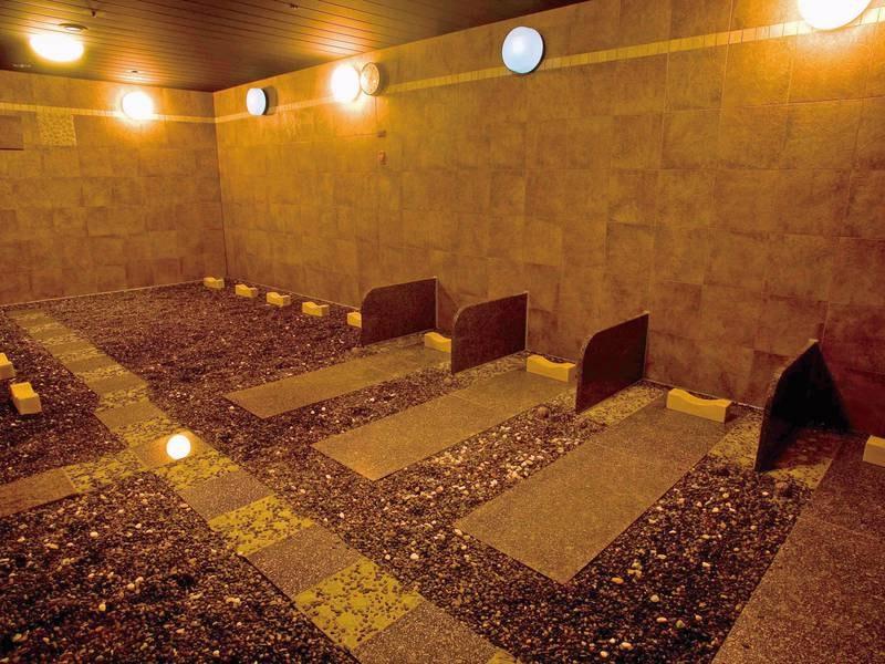 【女性岩盤浴場/8:00~22:00】北海道「二岐温泉石と竹炭使用」の温熱療養室効果があると言われる低温サウナ