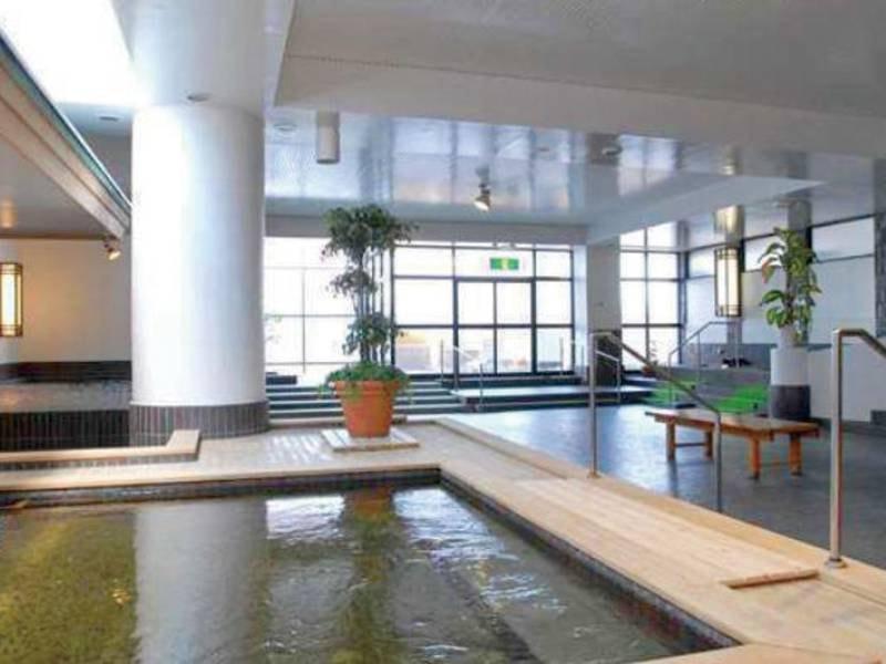 【男性大浴場】大浴場には薬湯の他、男性には高温サウナ完備