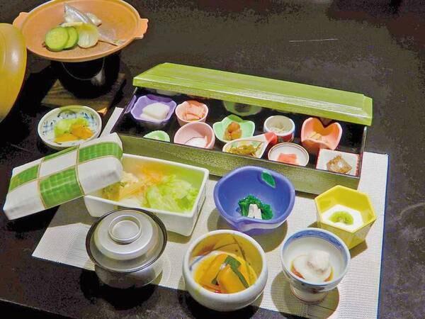 【朝食】伊豆の味覚を詰め込んだ和朝食