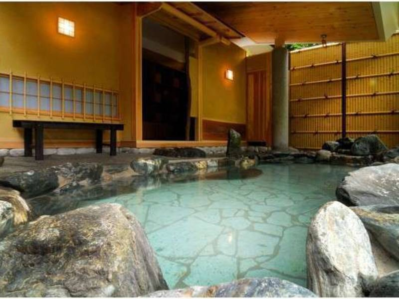 露天風呂「侘び湯」/貸切風呂