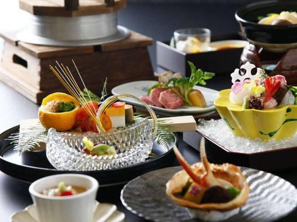 季節の会席※一例/色鮮やかな目にも楽しいお食事をご堪能ください