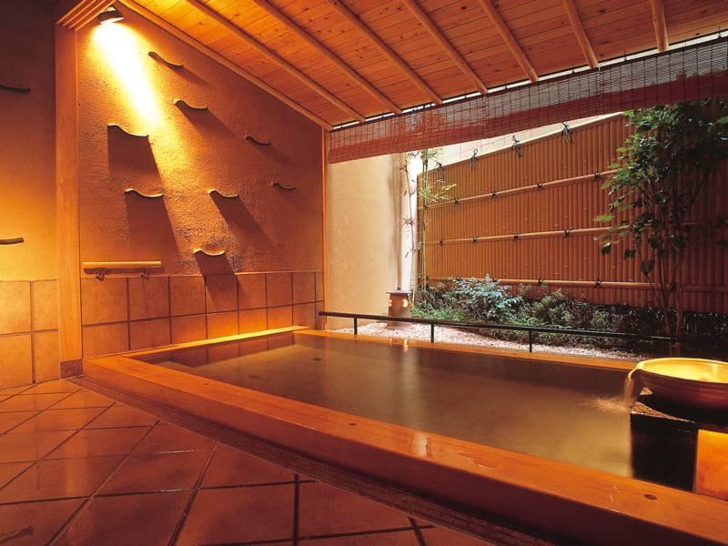 貸切露天風呂 木造 浅葱(あさぎ)