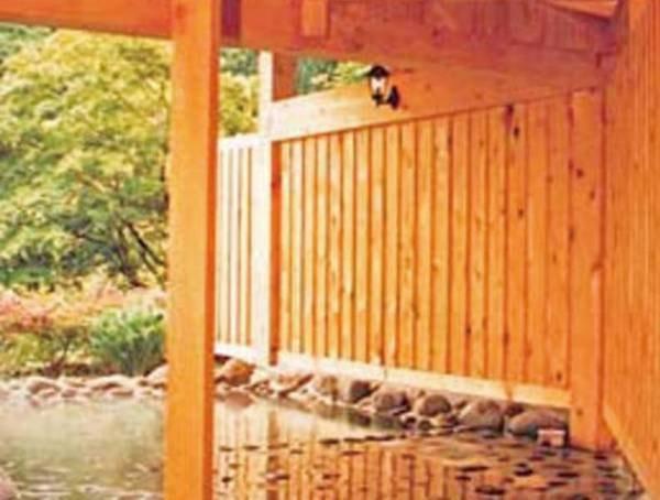 【風呂】天然温泉掛け流しの湯を楽しめる