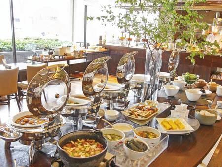 【朝食/例】朝食の和洋バイキングは、定番メニューから山形ならではの郷土料理まで豊富なメニューが好評