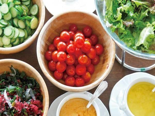 【朝食/例】彩り豊かなサラダ