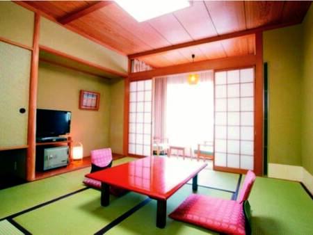 [客室/例] 広すぎず効率的な8畳の和室へご案内