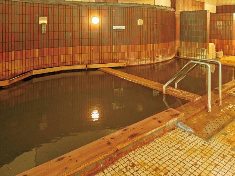 【大浴場】海水の約2倍の塩分濃度を誇る