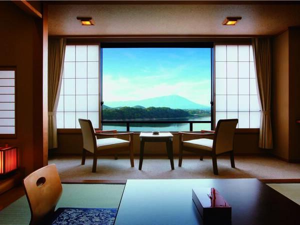 [客室/例] 窓から御所湖を望む全客室『レイクビュー』が自慢