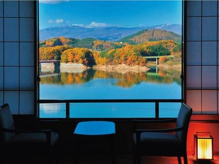 【レイクビュー 10畳和室(高層階)/眺望例】見頃例年10月上旬~中旬頃