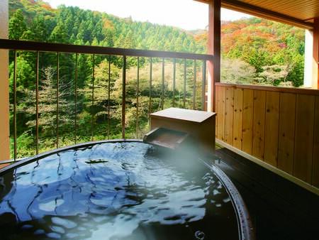 [客室(露天風呂)/例] プライベート空間で贅沢かけ流しの湯が愉しめる