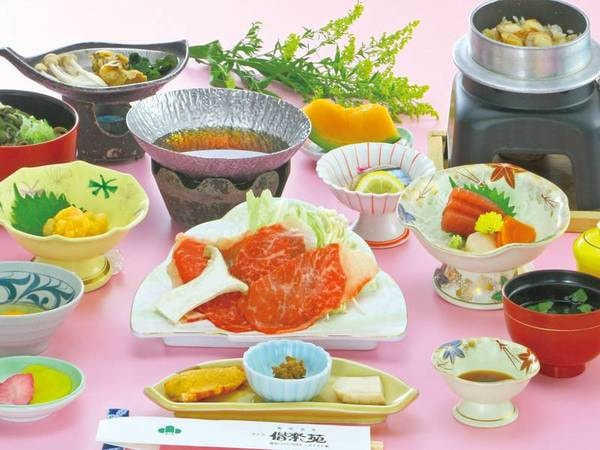 【黒みつ牛のすき焼き会席/例】牛すき焼きやお造り・茶碗蒸し・釜飯など全9品