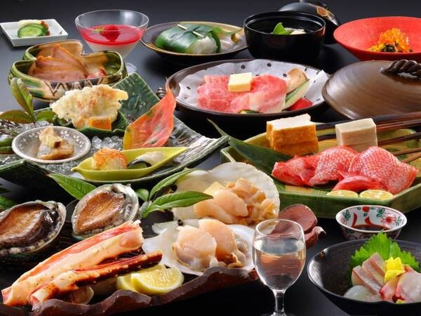【夕食/例】活鮑など新鮮な魚介を囲炉裏焼きで愉しめる