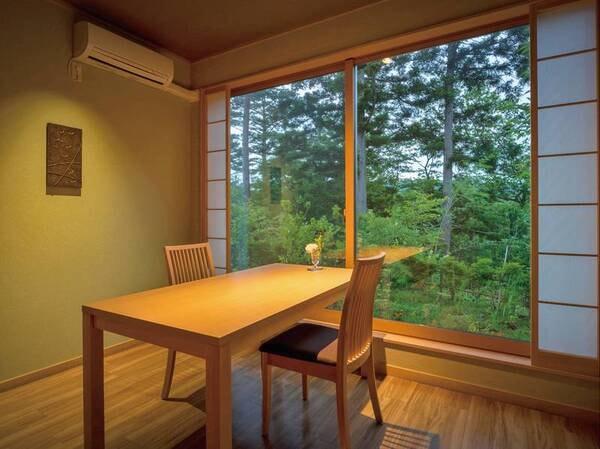 【お食事処】落ち着いた雰囲気の中でお食事をお愉しみください。 ※個室一例