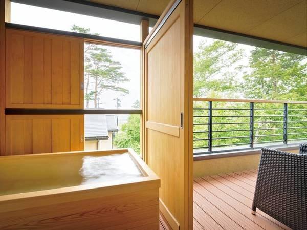 【[次郎の庵・1階]14帖/例】檜の露天風呂で寛ぎのひとときを。※温泉ではございません