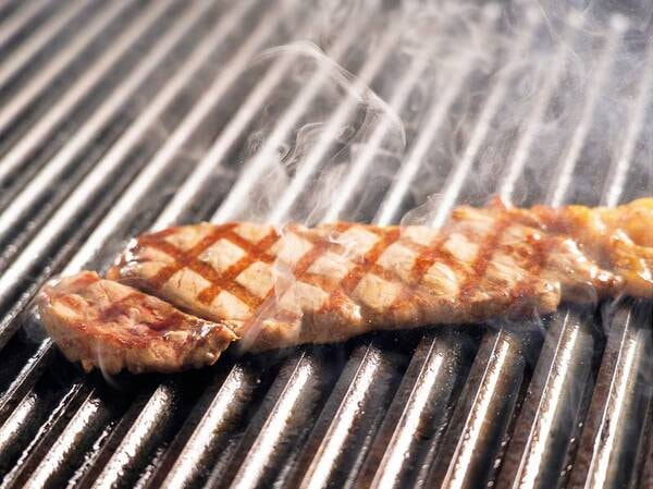 【グレードアップ】食べ放題プラン/例】一人一皿ステーキ付き!
