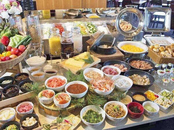 【朝食ビュッフェ/例】卵料理が充実♪ライブキッチンではスクランブルエッグ、海鮮オムレツ、目玉焼き !出来立てをどうぞ♪