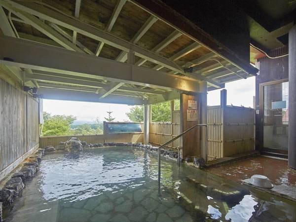 【八幡平の湯(露天風呂)】開放感のある露天風呂