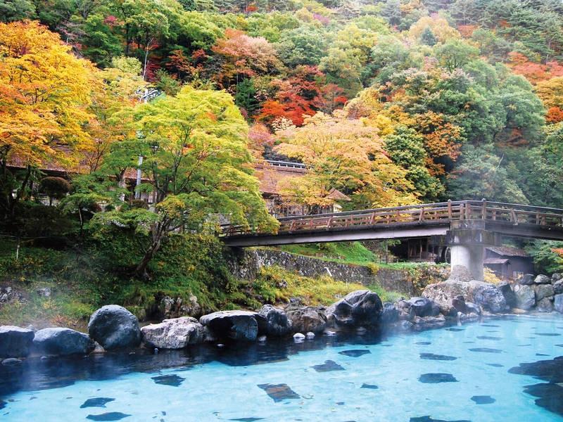 大沢の湯。歴史ある名湯と四季折々の景色