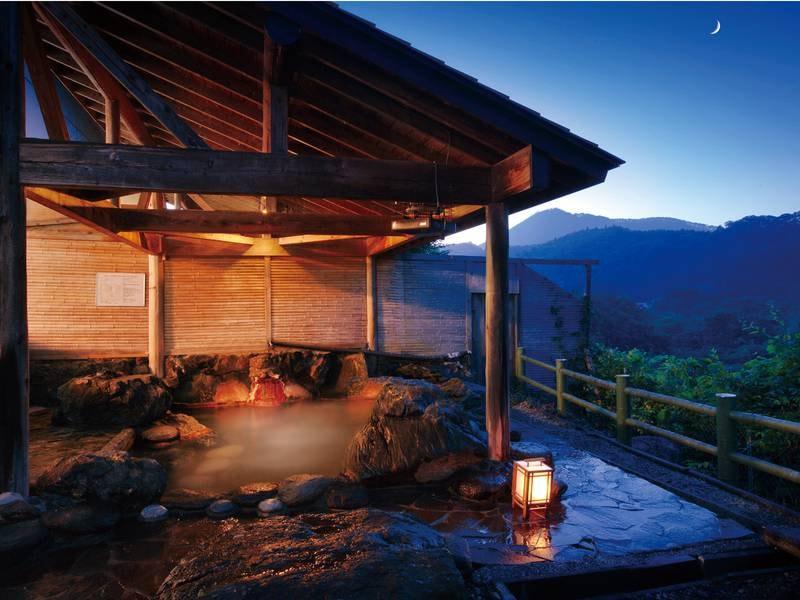 【露天風呂】渓谷美を楽しめる源泉掛け流しの温泉露天風呂