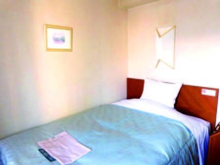 セミダブル(12.5㎡/ベッドサイズ 205×135cm)※客室一例