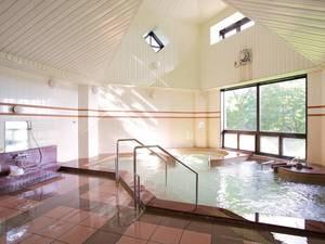 【大浴場】マイナスイオンを発生する鉱石「トロン原石」を使用したトロン温泉※人工温泉