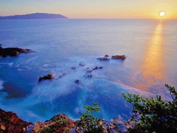 【碁石海岸/例】国の名勝・天然記念物にも指定されてる碁石海岸。宿から車で2分。