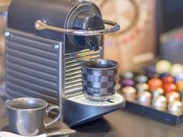 【ネスプレッソコーヒーマシーン】全客室に設置。お好きなカプセルでひと時の一杯をどうぞ