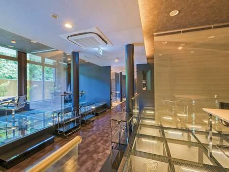 【食事会場「梵」KARMA】ガラス張りの洗練された空間でお食事を