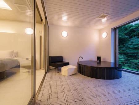 【客室露天風呂/例】豊沢川を眺めながらゆったりくつろぐ