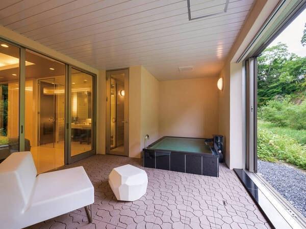 【客室露天風呂/例】豊沢川のせせらぎを感じながら