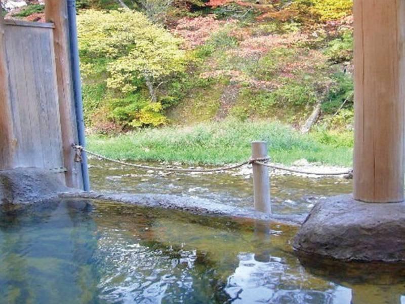 桂の湯。四季の景色を