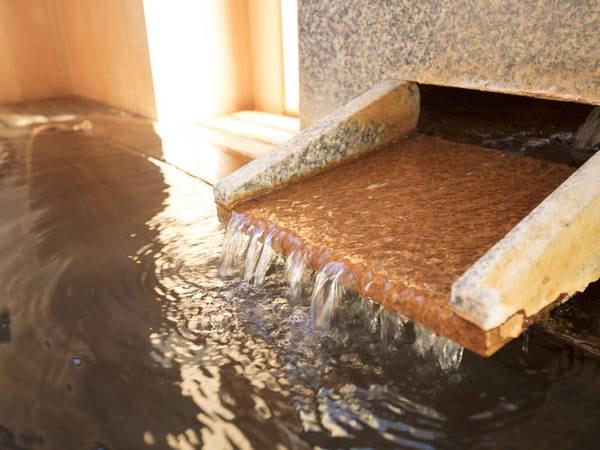 【湯口】毎分720リットルもの湯量を湧出する